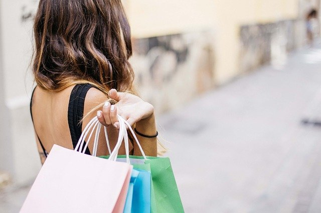 13 conseils pour magasiner plus intelligemment pendant la période des fêtes